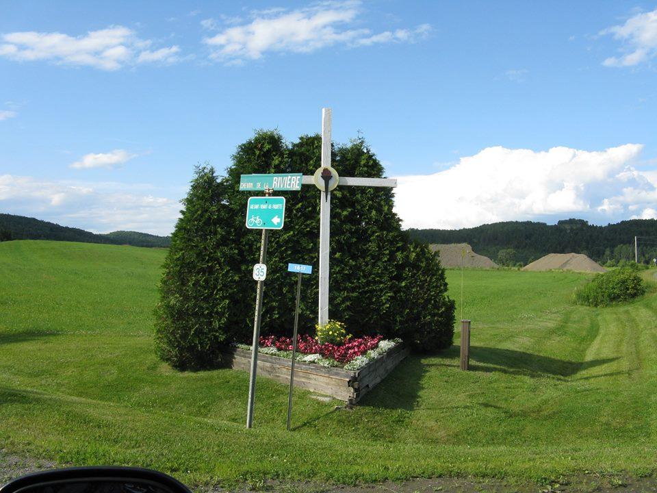 crossroads cross